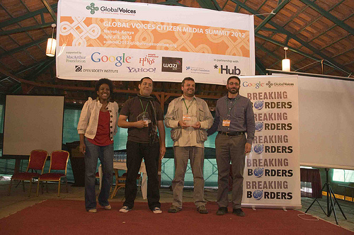 Los ganadores del Breaking Borders Awards y representantes de Global Voices y Google